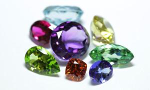 Pierres précieuses et pierres fines